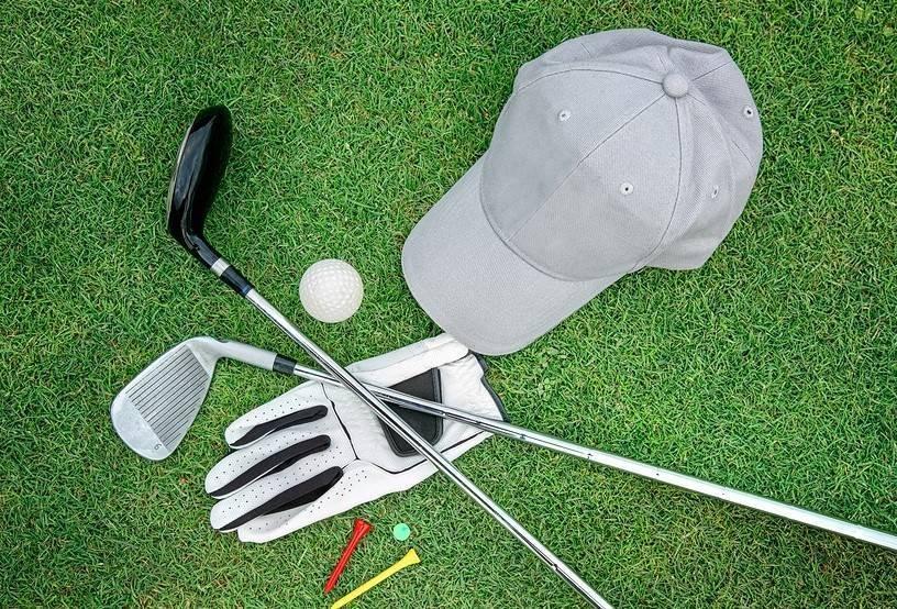 Global Peralatan Golf Market