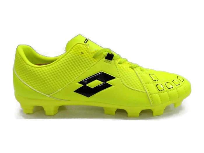 Global Sepatu sepak bola Market